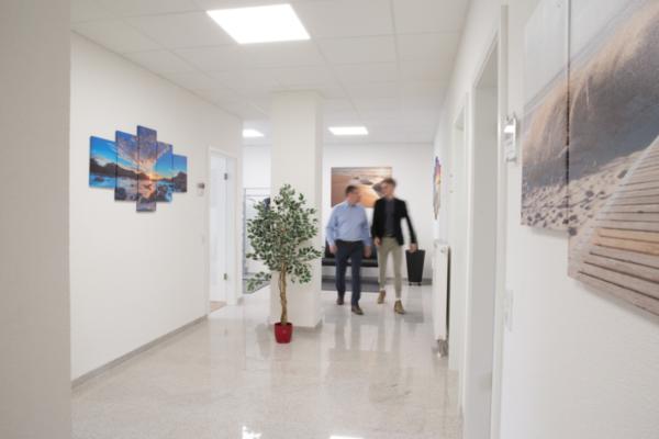 Gang der Büroräume von bps