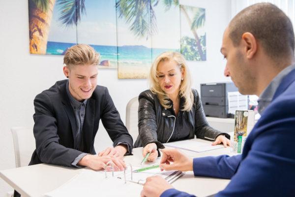 3 Mitarbeiter der Firma bps Buemann Personal Service GmbH